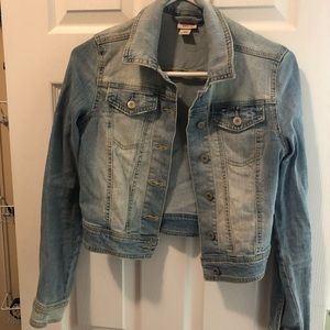 Cropped distressed denim jacket small